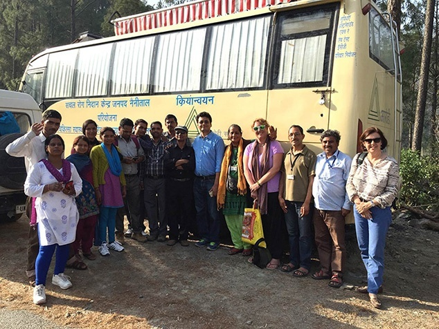 Diagnostikbus in Indien