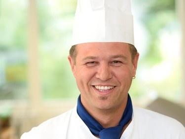Die Spitalküche ist besser als ihr Ruf - Interview mit Küchenchef Jürg Rebholz