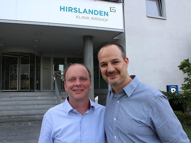 Christian Schuhmacher, Direktor Hirslanden Klinik Birshof, recht: Stefan Lienhard, Projektleiter Social Media