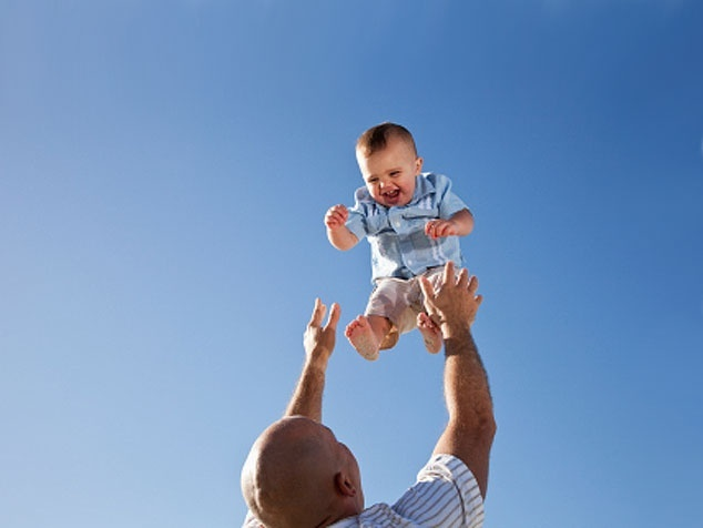 Vater und Baby