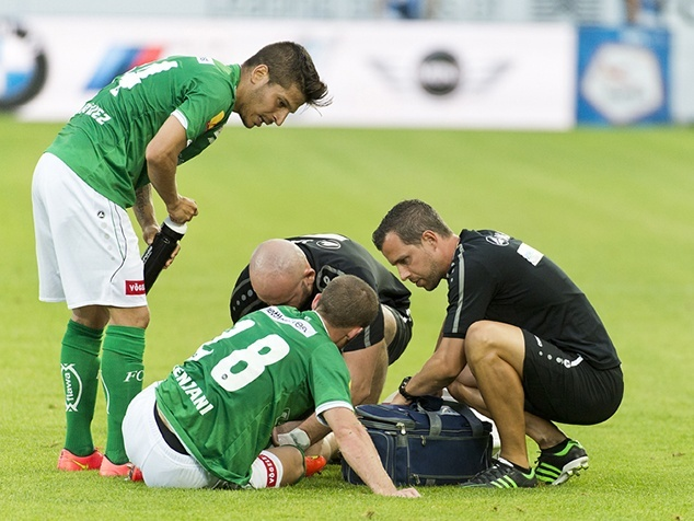 Physiotherapeut Simon Storm betreut Spieler des FC St.Gallen.