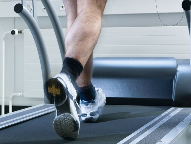 Beine/Füsse auf Laufband