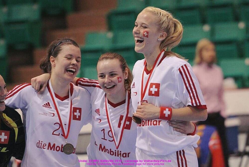 3 Spielerinnen, die sich freuen