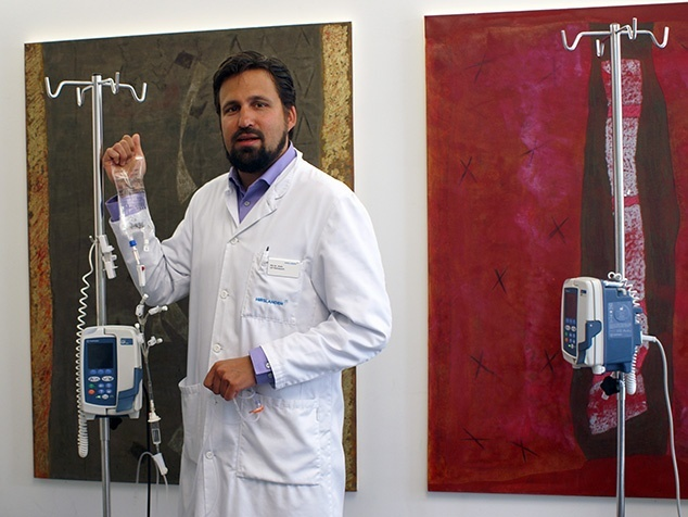 Ulf Petrausch mit Immuntherapie-Infusion