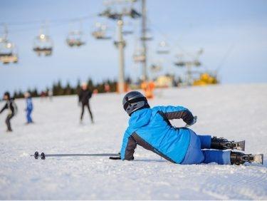 La rupture du ligament croisé: une blessure de ski typique. Doit-on toujours opérer?