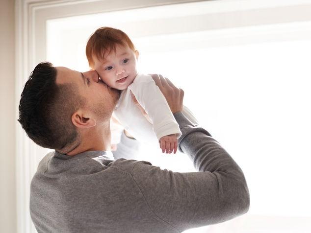 Papi mit Baby