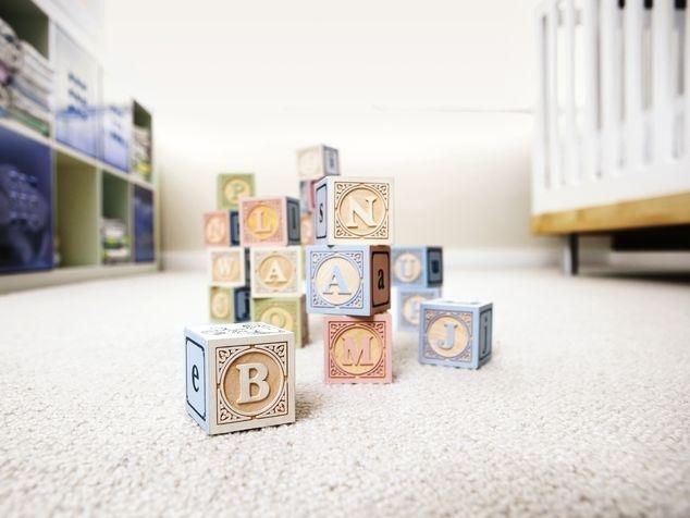 Spielwürfel mit Buchstaben