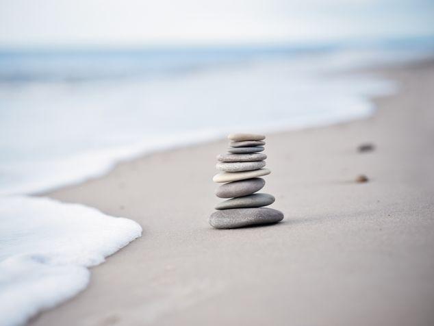 Steine am Meer - symbolisch für Psychoonkologie