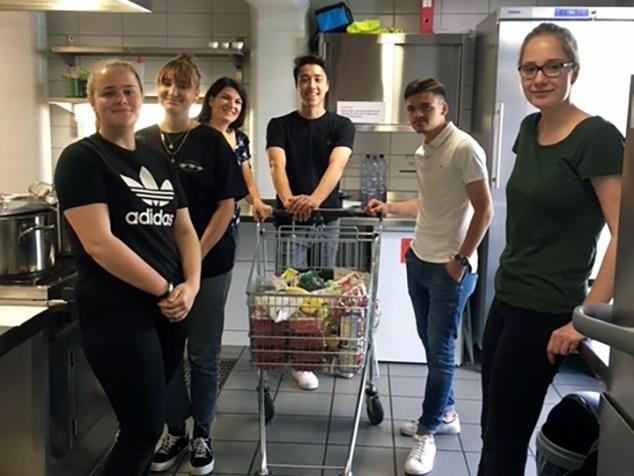 KV-Lernende von Hirslanden bei ihrem Social Day