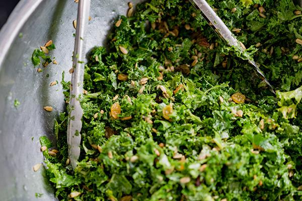 légumes à feuilles vert foncé