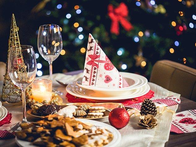 gedeckter Weihnachtstisch