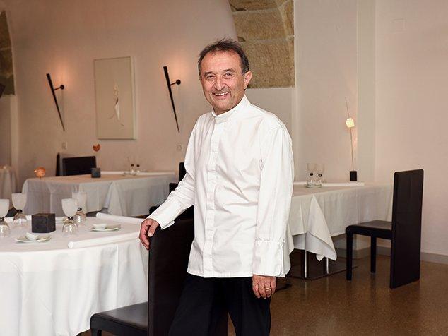 Carlo Crisci dans le restaurant