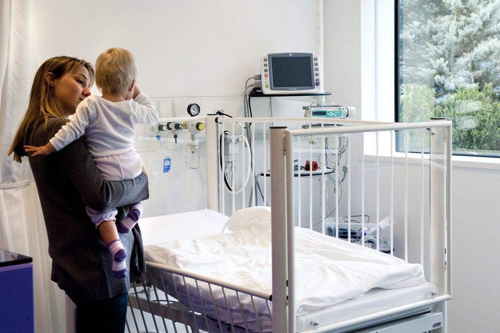 salle de traitement pour les enfants au service des urgences.