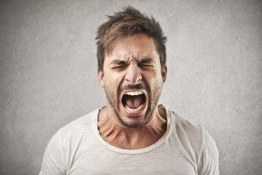 Hernie inguinale: pourquoi les hommes sont-ils plus concernés? Quel est le traitement?